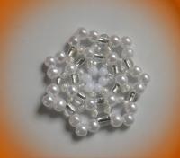 1 weisser Perlenstern (handgefertigt) Ø 3.5cm
